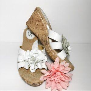 BORN B.O.C. White Flower Leather Wedge Sandals